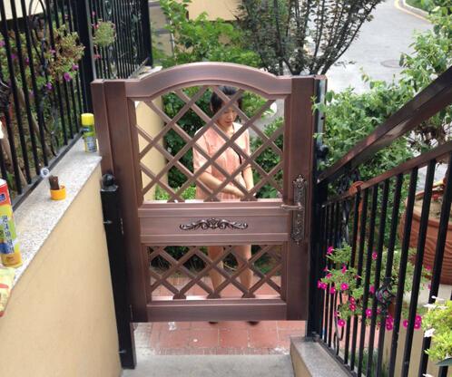 青岛龙湖原山别墅小区庭院铜门定制成功案例